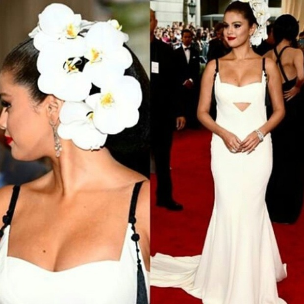 One of my favorite looks is this floral ethereal look by Selena Gomez